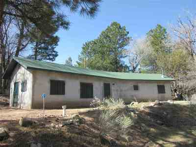 Questa Single Family Home Active-Price Changed: 2318 B Old Red River Road