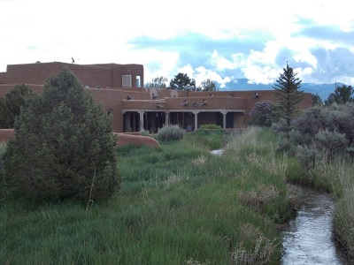 Taos County Single Family Home For Sale: 172 Los Alamitos Road