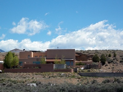 Taos County Single Family Home Active-Extended: 241 Los Cordovas