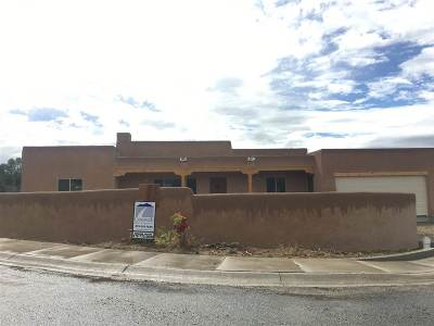 Taos Single Family Home Active/Under Contract: 204 Las Olas Drive