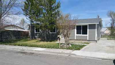 Elko Single Family Home For Sale: 913 Sunrise Drive