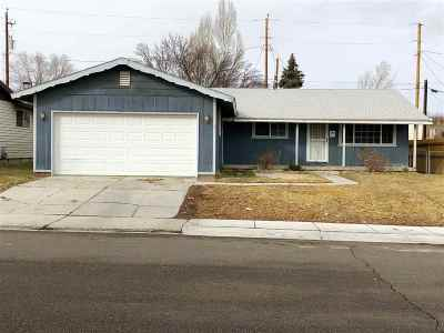 Elko Single Family Home For Sale: 2085 Golf Dr.