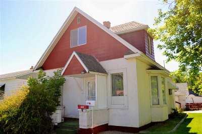 Elko Single Family Home For Sale: 1306 Oak St