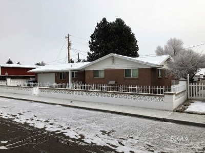 Elko Single Family Home For Sale: 1220 Highland Dr