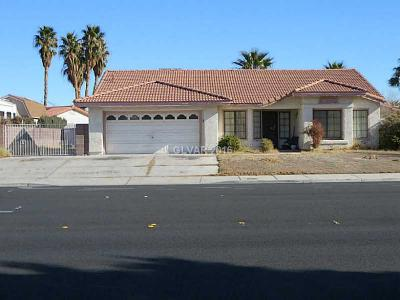 Single Family Home Sold: 3140 North Torrey Pines Drive