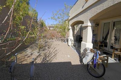 Las Vegas Single Family Home For Sale: 7423 Bretton Oaks Street