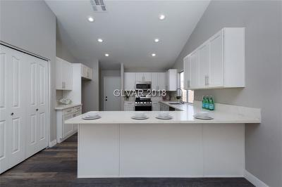 Las Vegas Single Family Home For Sale: 759 Altacrest Drive