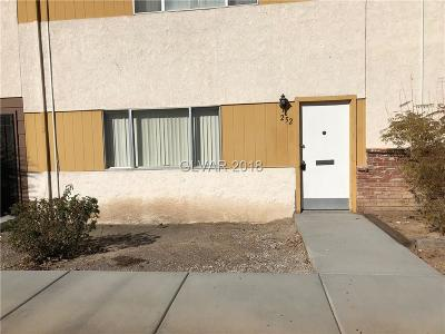 Las Vegas Condo/Townhouse For Sale: 252 Greenbriar Townhouse Way