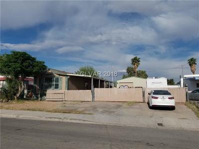 Las Vegas Single Family Home For Sale: 3674 Twain Circle