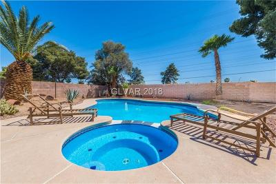 Las Vegas NV Single Family Home For Sale: $296,000