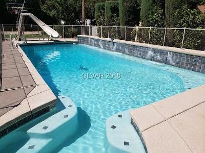 Las Vegas Single Family Home For Sale: 5638 Oak Street