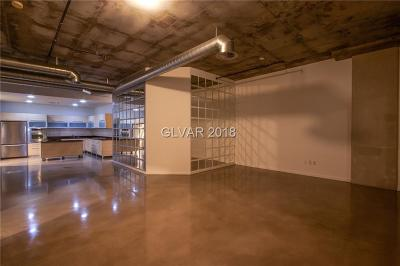 Soho Lofts High Rise Under Contract - No Show: 900 Las Vegas Boulevard #707