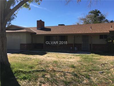 Las Vegas Single Family Home For Sale: 5945 North Durango Drive