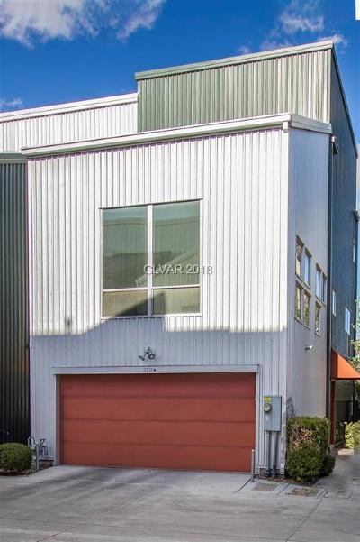 Las Vegas Condo/Townhouse For Sale: 2002 Pin Oak Avenue