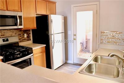 Las Vegas Single Family Home For Sale: 4015 Sparrow Rock Street