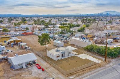 Las Vegas Single Family Home For Sale: 5355 Meikle Lane
