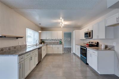 Single Family Home For Sale: 5111 Avenida Del Sol