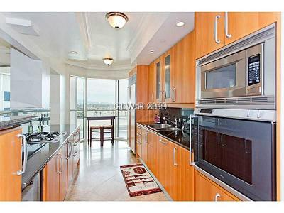 Turnberry Place Amd, Turnberry Place Phase 2, Turnberry Place Phase 3 Amd, Turnberry Place Phase 4 High Rise For Sale: 2747 Paradise Road #706