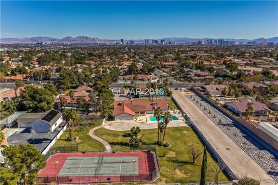 Las Vegas Single Family Home For Sale: 2887 Buffalo Drive