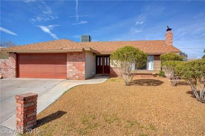 Las Vegas Single Family Home For Sale: 220 Moller Circle