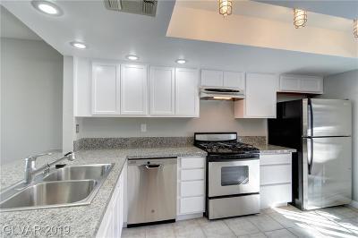 Las Vegas Condo/Townhouse For Sale: 6500 Ironbark Lane
