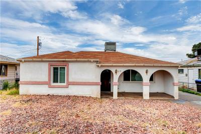 Henderson Single Family Home For Sale: 210 Victory Road