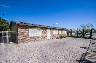 North Las Vegas Single Family Home For Sale: 2100 Hassell Avenue