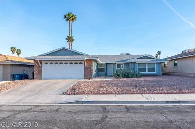 Las Vegas Single Family Home For Sale: 4131 Royalhill Avenue