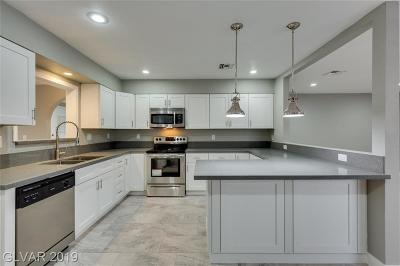 Las Vegas NV Single Family Home For Sale: $299,999