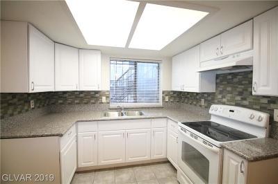 North Las Vegas Condo/Townhouse For Sale: 2104 Venus Avenue #B