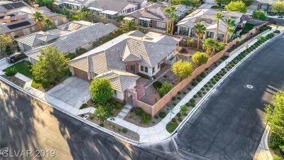 Las Vegas Single Family Home For Sale: 10468 Garden Light Drive