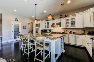 Las Vegas Single Family Home For Sale: 9868 Cove Haven Court