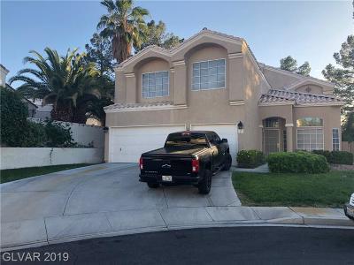 Single Family Home For Sale: 21 Lantern Glow Circle