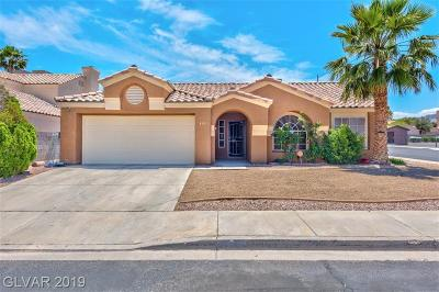 Single Family Home Under Contract - Show: 955 Chaps Circle