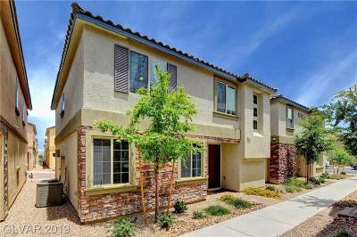 Las Vegas Condo/Townhouse For Sale: 6141 Scarlet Leaf Street