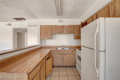 Las Vegas Multi Family Home For Sale: 1550 Northwind Court