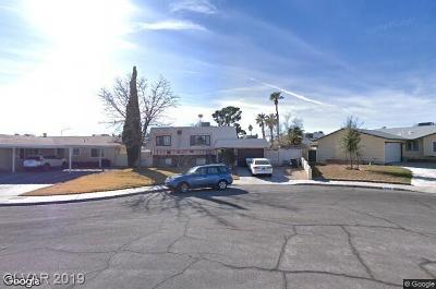 Las Vegas Single Family Home For Sale: 6945 Surrey Court