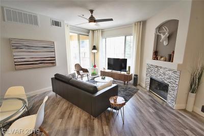 Las Vegas Condo/Townhouse For Sale: 7111 Durango Drive #305