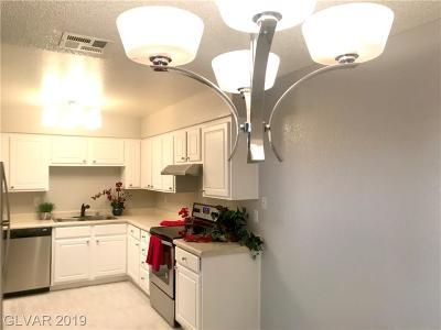 LAS VEGAS Condo/Townhouse For Sale: 3151 Soaring Gulls Drive #1161