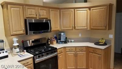 Boulder City Single Family Home For Sale: 802 Robin Way