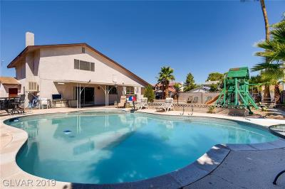 Las Vegas Single Family Home For Sale: 1901 Bluejay Circle
