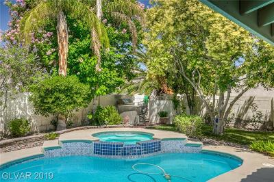 Las Vegas Single Family Home For Sale: 5029 Forest Oaks Drive