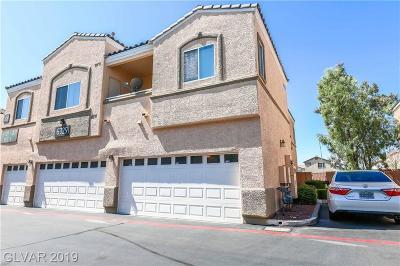 Clark County Condo/Townhouse For Sale: 6325 Desert Leaf Street #102