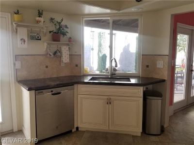 Las Vegas Condo/Townhouse For Sale: 2551 Swan Lane