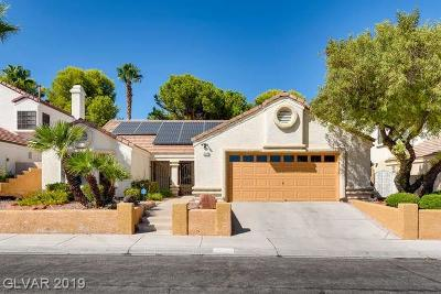 Single Family Home For Sale: 9104 Beacon Cove Court