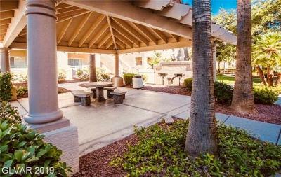 Las Vegas Condo/Townhouse For Sale: 5415 Harmon Avenue #1177