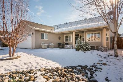 Single Family Home Sold: 1363 Brooke Way