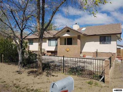 Fernley Single Family Home Active/Pending-Loan: 1040 Mesa Drive
