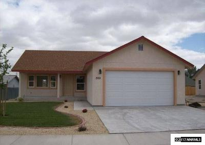 Yerington Single Family Home For Sale: 300 S Mountain View