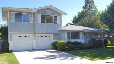 Reno Single Family Home For Sale: 865 Maplewood Drive